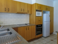 palm-cove-two-bedroom-apartment-9