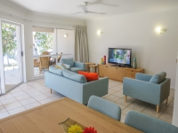 palm-cove-two-bedroom-apartment-108