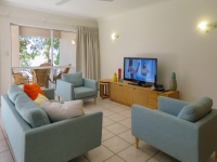 palm-cove-two-bedroom-apartment-11