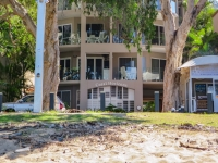 palm-cove-two-bedroom-apartment-135
