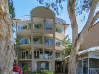 palm-cove-two-bedroom-apartment-28