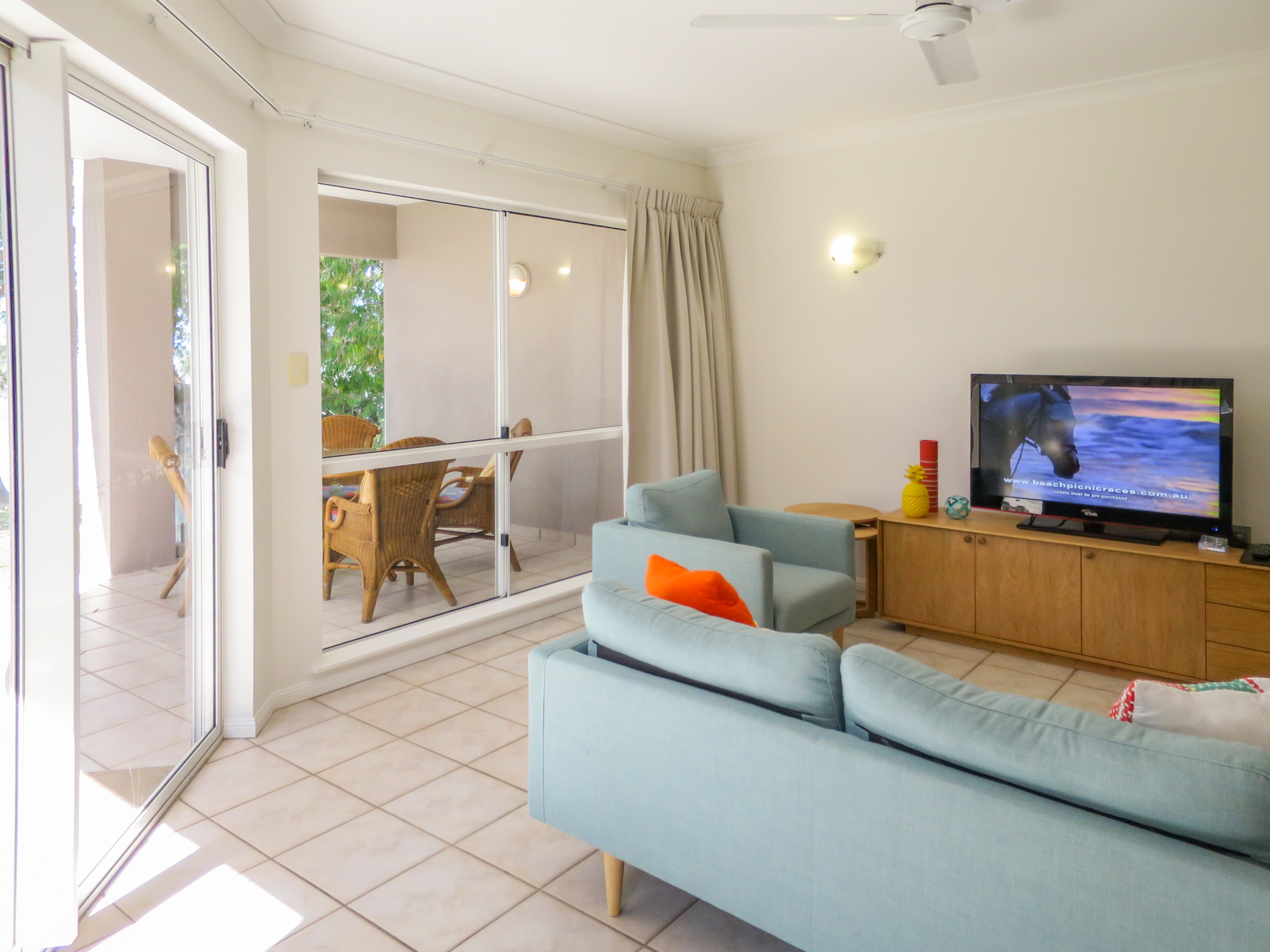 palm-cove-two-bedroom-apartment-13